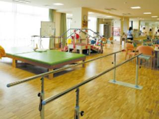 老人保健施設ケア・サポート新茶屋の写真1